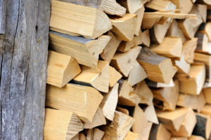 pile-of-firewood-preparation-of-firewood-for-the-w-P25U6RY.jpg